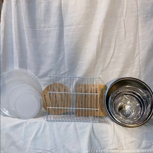 Other - NEW 5 pc Stainless Steel Bowl Set and Trivets